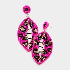 Seed bead lip earrings